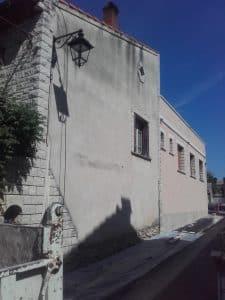 Façade à rénover, préparation du chantier par Murs & Tradition